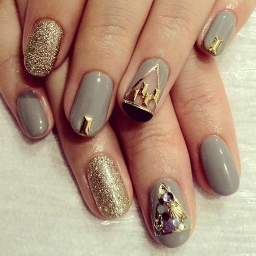 trendy_nail_with_golden_design18